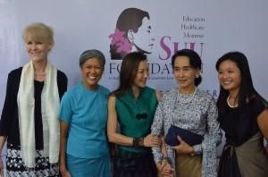 L-R Karen Knudsen, Miemie Winn Byrd, Michelle Yeoh, Aung San Suu Kyi, and Wenchi Yu